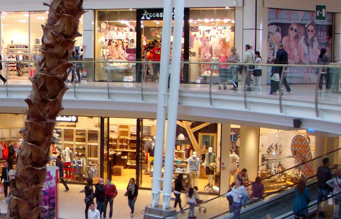 cheaper fc7ec 11690 Shopping in Rimini | Shopping centers and boutiques in city ...